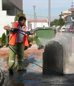 Reparación y mantenimiento de contenedores de reciclaje